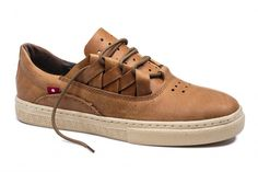 Oliberté is the World's First Fair Trade Certified Footwear Factory – Fair Trade Shoes & Leather Goods Made in Africa.   DAKUGO Rustic Brown Pullup