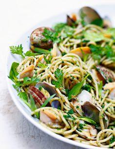 Recette de spaghettis aux palourdes, marinière herbacée par Alain Ducasse