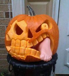 ne vous contentez pas de creuser des triangles dans vos citrouilles d halloween30 ides pinterest pour les dcorer avec panache halloween costumes - Decoration Citrouille Pour Halloween