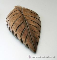 Colgante madera oscura forma HOJA ÁRBOL lanceolada - A Estrenar - 7cm x 3,5cm x 0,5cm