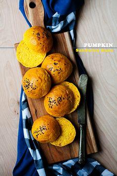 Pumpkin Sandwich Buns by Cindy | Hungry Girl por Vida, via Flickr