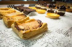 Travailler dans les Caraïbes: la réalité (Detour Local) -> Pâtisserie de Piece of Cake, style français www.detourlocal.com/saison-travailler-a-saint-martin-caraibes/