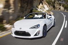 Official images of the Toyota 86 convertible.