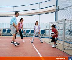#royalfun Aproveite a febre do futebol com uma partidinha a bordo! Que tal?  Clique na imagem e confira nossas opções de entretenimento a bordo!