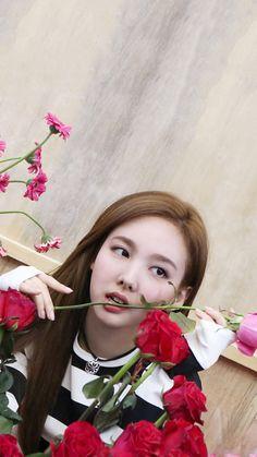 Twice Dahyun, Tzuyu Twice, South Korean Girls, Korean Girl Groups, Twice What Is Love, Twice Once, Nayeon Twice, Im Nayeon, Girl Bands