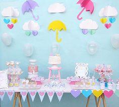 Decoração linda para mesversário Chuva de Amor Produção: @marquespaperparty . . #decorefesta #blogdecorefesta #mesversário #chuvadeamor #ideias #inspiração #inspiration #deco #decor #decoração #decoraçãodefesta #festa #party #baby