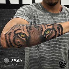 Antique Compass Tattoo - Disney Tattoo Mickey - Tattoo Sleeve Skiss - Tattoo Antebrazo Plantilla - Tattoo Femininas Viagem - Feather Tattoo On Shoulder Tiger Eyes Tattoo, Tiger Tattoo Sleeve, Tiger Tattoo Design, Tiger Forearm Tattoo, Forarm Tattoos, Head Tattoos, Body Art Tattoos, Tattos, Full Arm Tattoos