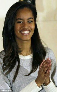 How the elegant Malia Obama, is turning into a Michelle Jr Barack Obama Family, Malia Obama, Obamas Family, Obama President, Obama Daughter, First Daughter, Black Presidents, American Presidents, Joe Biden