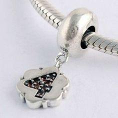 14,99 € http://www.pariprix.com/pendentifs-charms/925-sterling-nombre-4-charmes-pandora-style-superieur.html