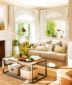 Living room with beige sofa, green cushions, coffee table in wood and metal, vintage lamps and white curtains and blinds Living Room Update, Living Room Decor, Living Spaces, Indian Home Interior, Beige Sofa, Beautiful Living Rooms, Cuisines Design, Outdoor Furniture Sets, Interior Design