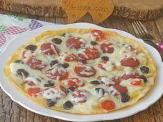 Patates Pizzası Tarifi Arabic Food, Hawaiian Pizza, Vegetable Pizza, Hamburger, Tart, Food And Drink, Easy Meals, Cooking Recipes, Vegetarian
