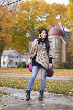 Fall street style stripped wrap+black sweater+Joe's ripped jeans+DV black booties+pink leather bag+burgundy felt hat
