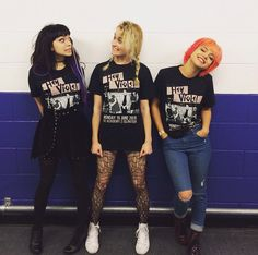 I love how Rena and Miranda are being goofy and then there's Nia who is posing like a model