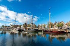 Deze 10 camperplaatsen in Friesland zijn je ideale uitvalsbasis voor je campervakantie naar Friesland. Maak vanaf de camperplaatsen een van deze vijf uitstapjes in Friesland, of bezoek in 2018 culturele hoofdstad van Europa: Leeuwarden!