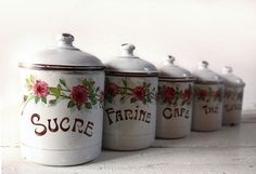 vintage French enamel cannisters except I could tooootally these words on other stuffs and make my own! Vintage Canister Sets, Enamel Cookware, Deco Retro, Vintage Enamelware, Cottage Kitchens, Kitchen Redo, French Vintage, French Antiques, Decoration
