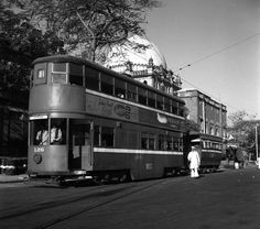 Vintage Bombay::1952 - A BEST double-decker Tram in Bombay  #Mumbai pic.twitter.com/A2EEZXTRNH