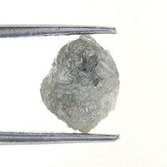 2.80 Ct Natural Loose Diamond Raw Rough Natural Shape Silver color.