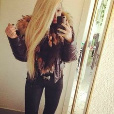 Fur Accessories, Jackets For Women, T Shirts For Women, Other Outfits, Moncler, Collars, Long Hair Styles, Furs, Instagram Posts