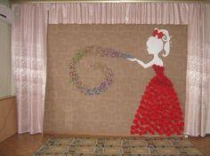 Оформление центральной стены к 8 марта Фото Paper Flower Backdrop, Giant Paper Flowers, Stage Decorations, Birthday Party Decorations, Diy And Crafts, Arts And Crafts, Paper Crafts, Letter E Craft, Wallpaper Decor