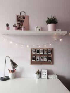 70 Cozy Minimalist Bedroom Design Trends - JP Home Design Advice 2020 Cute Room Decor, Room Decor Bedroom, Bedroom Inspo, Cool Bedroom Ideas, Bedroom Lighting, Bedroom Rustic, Bedroom Themes, Interior Lighting, Diy Bedroom