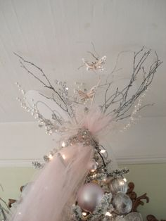 Fairy tiara free from guilded twigs Christmas Fairy, Christmas Crafts, Christmas Ideas, Gold Christmas, Christmas Wishes, Christmas Ornaments, Christmas Cooking, Elegant Christmas, Pink Christmas Decorations