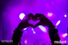 Hand heart at Pretty lights #Prettylights #handheart #edm