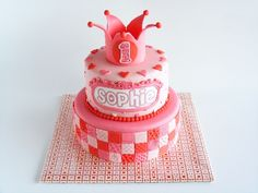Lovely girly pink and red cake * made by http://www.facebook.com/KirstensTaartDromein