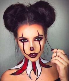Make up da pagliaccio 'It' per Halloween - Trucco sexy stile It, . - Make up da pagliaccio 'It' per Halloween – Trucco sexy stile It, - Maquillage Halloween Clown, Halloween Makeup Clown, Halloween Inspo, Halloween Makeup Looks, Halloween Kostüm, Halloween Outfits, Halloween Tutorial, Cute Clown Makeup, Scary Halloween Costumes