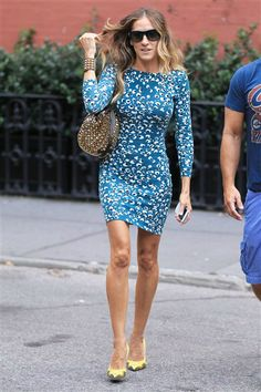 H-O-T! Sarah Jessica Parker werks it in a blue minidress and yellow pumps. See more celebs on Wonderwall: http://on-msn.com/QAovPO