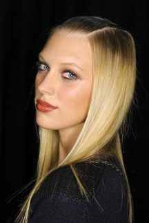 #Backstage #Beauty: #Hair and #MakeUp Spring Summer 2014... a sleek '70s vibe