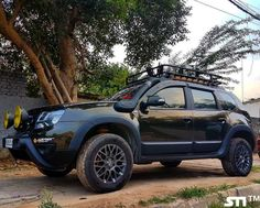 Renault Duster with Borla end can & Bilstein suspension by Autopsyche Suzuki Motos, Suzuki Jimny, Dacia Duster, Off Road Adventure, Fender Flares, Sweet Cars, Car In The World, Modified Cars, Subaru
