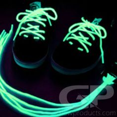 Light up toys and accessories ranging from light up swords, lighted toy, EL Wire Kits to glow party wands. Glowing toys, glow items and light up accessories. Glow In Dark Party, Glow Party, Glow Run, Party Mottos, Cool Glow, Running Costumes, Light Up Shoes, Paint Party, The Darkest