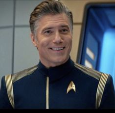 Star Trek Warp, Star Trek Ships, Star Trek Discovery Captain, Star Trek Bridge, Anson Mount, Star Trek Captains, Star Trek Characters, Sci Fi Tv Shows, Star Trek Beyond