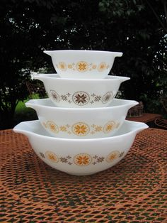 Vintage Pyrex Town and Country Cinderella by MamabirdsVintage, $42.00