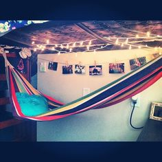 I want a hammock under my bed next year!!! :D