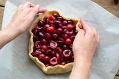 Tarta cu cirese - Mihaela Toader Raspberry, Cherry, Sweet, Food, Design, Pie, Candy, Eten, Raspberries