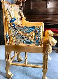 Side of throne chair – lapiz lazuli inlaid into golden falcon wings. Side of throne chair – lapiz lazuli inlaid Ancient Egyptian Art, Ancient Aliens, Ancient History, Architecture Antique, Empire Romain, Throne Chair, Art Antique, Egypt Art, Tutankhamun