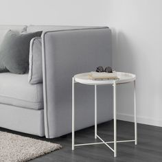 IKEA - GLADOM, Tray table, white, You can use the removable tray for serving. The tray's edges make it easy to carry and reduces the risk of glasses or bowls sliding off. The surface is durable and easy to clean, since it's made from powder-coated steel. Ikea White Side Table, Ikea Lack Side Table, Ikea Lack Coffee Table, Black Side Table, Home Depot Folding Table, Folding Table Legs, Bedside Table Ikea, Wooden Console Table, Gladom Ikea