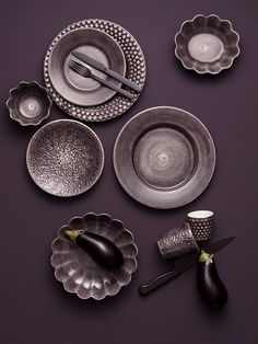 Swedish porcelain brand Mateus just released a new collection and I love the way they have styled the pictures for their new catalog. The porcelain pieces have a lot of beautiful textures, which come out very nicely in these beautiful … Continue reading → Stoneware Dinnerware, Plum Color, Colour, Hotel Supplies, Beautiful Textures, Pottery, Tableware, Kitchenware, Ceramics
