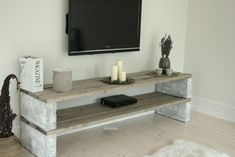 is a list of 21 creative DIY TV stand ideas you might . is a list of 21 creative DIY TV stand ideas you might . Diy Furniture Nightstand, Tv Furniture, Diy Outdoor Furniture, Furniture Design, Diy Furniture Cheap, Decor Room, Living Room Decor, Diy Home Decor, Diy Tv Stand