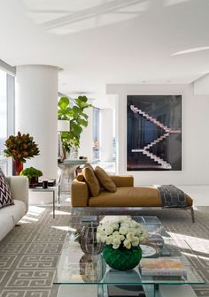 APARTAMENTO MIAMI II ***Love this! Modern and still somewhat minimalist but with enough color and warmth. I think the plants help to add the warmth also.