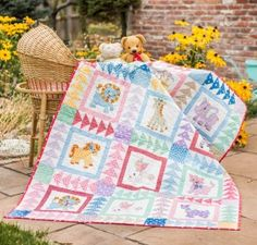 Robert Kaufman Naptime Friends Quilt KIT - comes with a quilt pattern for advanced beginners http://quilting.myfavoritecraft.org/baby-quilt-patterns/