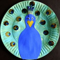 Peacocks are pretty, pretty proud creatures with their chests puffed up and their feathers waving. You can't blame them since they are tremendously beautiful. Bring one of these amazing birds into your home with the Pretty Proud Paper Peacock.