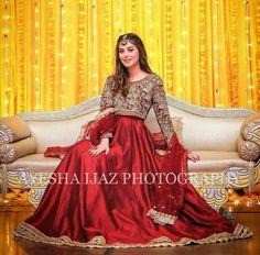 Pakistani Party Wear Dresses, Beautiful Pakistani Dresses, Shadi Dresses, Pakistani Wedding Outfits, Designer Party Wear Dresses, Pakistani Dress Design, Beautiful Dress Designs, Stylish Dress Designs, Red Colour Dress