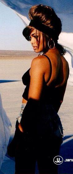 Janet Jackson .