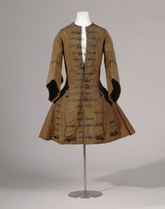 Justacorps, wool/silk blend lined with silk with metallic trim and metallic thread buttons, c. 1695.