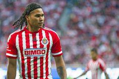 'GULLIT' PEÑA CONFIESA SER FAN DE CHIVAS DESDE PEQUEÑO El jugador afirmó que desde su infancia era seguidor del Guadalajara y ahora siente un cariño más grande por el equipo.
