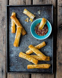 Wow your guests with these goats cheese cigars with sweet chilli sauce.