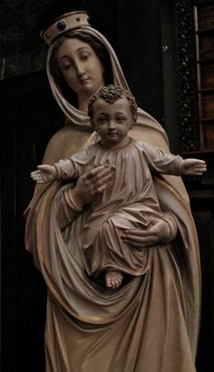 Mary and Jesus, statue at St. Mark's Lutheran, Baltimore, Maryland. www.stmarksbaltimore.org