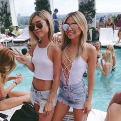 Here are Attractive Summer Outfits Ideas for Teens. We are gathering ideas day and night for people who love fashion and stuff. Hope you'll like all of these ideas. Please don't hesitate to comment your favourite ideas. Pool Outfits, Summer Outfits, Cute Outfits, Vegas Outfits, Las Vegas Outfit, Vegas Dresses, Summer Clothes, Summer Vibes, Summer Fun